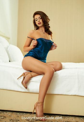 Kensington brunette Ramona london escort
