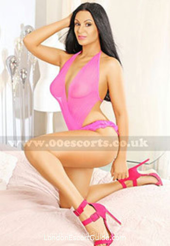 South Kensington brunette Claudinne london escort