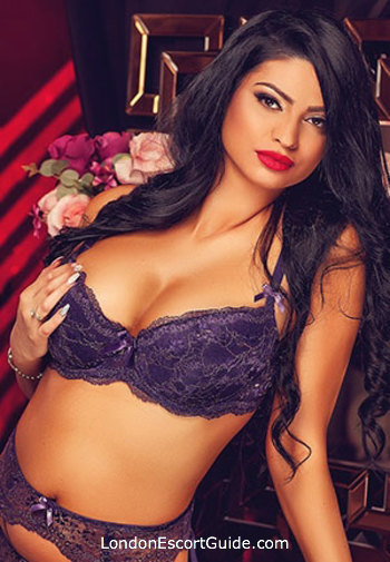 Marble Arch brunette Aralyn london escort