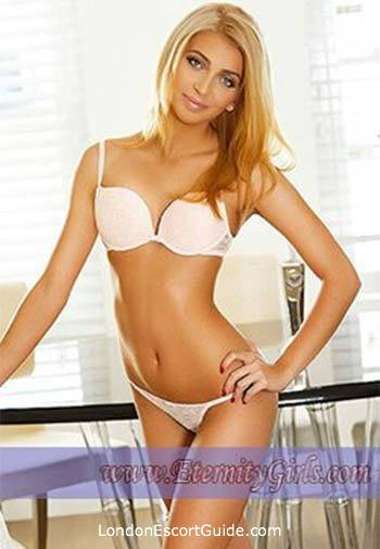 Bayswater blonde Castela london escort