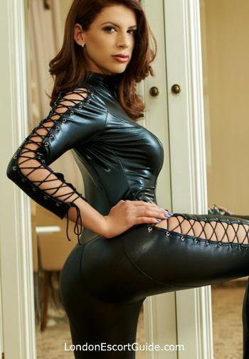 Kensington brunette Romana london escort