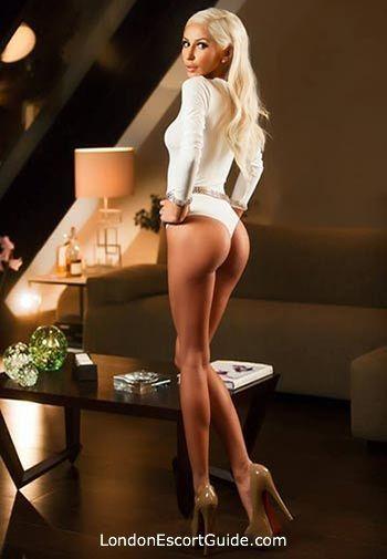 Chelsea blonde Faye london escort