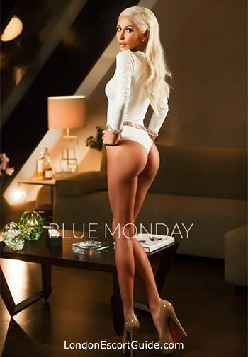 Chelsea blonde Jenny london escort
