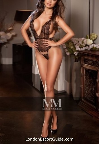 Mayfair elite Carol london escort