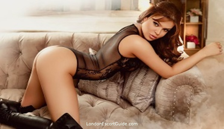 Kensington brunette Magnolia london escort