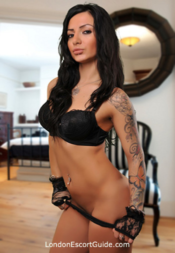 Notting Hill brunette Helen london escort