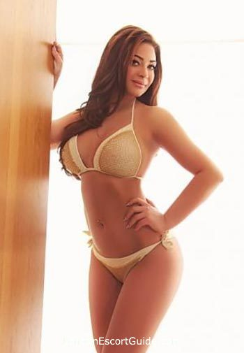 Notting Hill busty Pallma london escort