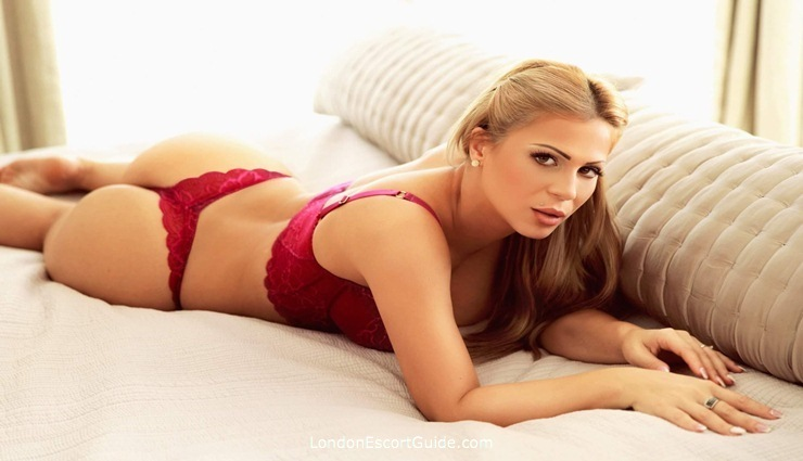 Kensington blonde Aline london escort