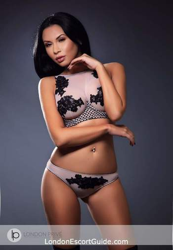Kensington Olympia busty Chantal london escort