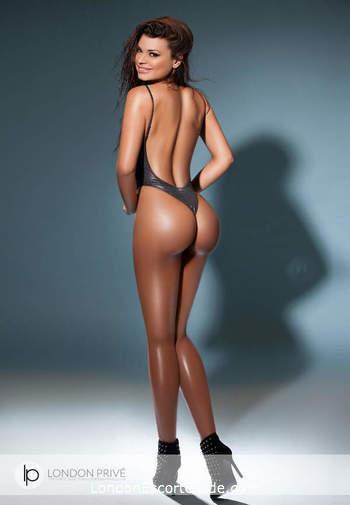 Knightsbridge brunette Sophia london escort