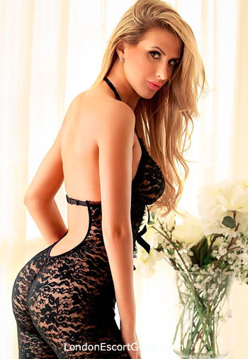 Marble Arch brunette Isabelle london escort