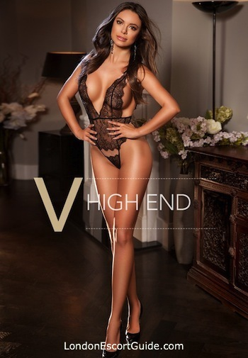 Mayfair brunette Lanai london escort