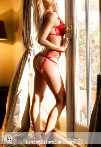 South Kensington blonde Sienna london escort