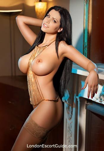Bayswater busty Hannah london escort