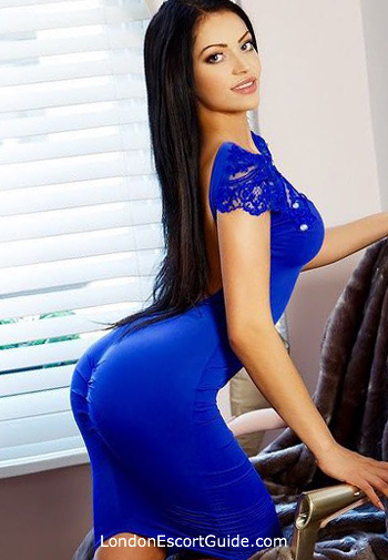 Marylebone brunette Louise london escort