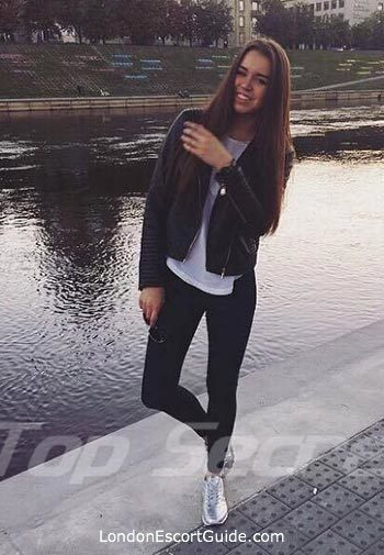 Marylebone brunette Addi london escort