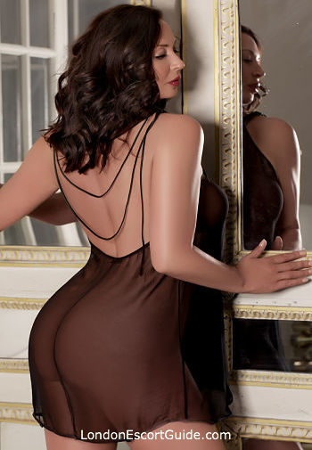 Notting Hill brunette Kate English london escort