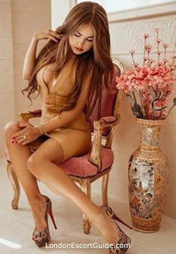 Marylebone brunette Elektra london escort