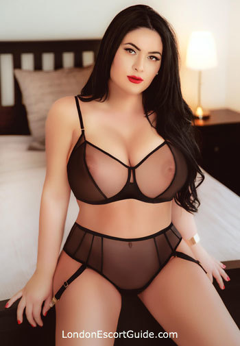 Edgware Road busty Dolly london escort