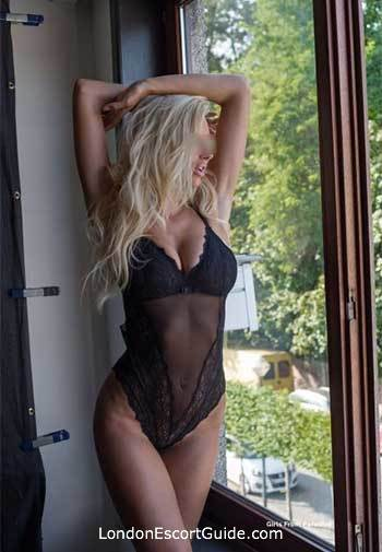 Chelsea blonde Estrella london escort