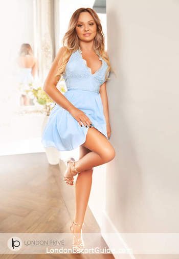 Kensington blonde Crystal london escort