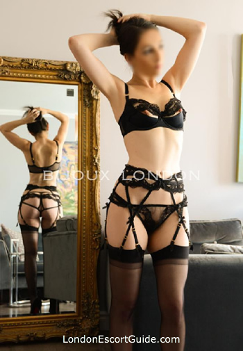 Marylebone brunette Eva london escort