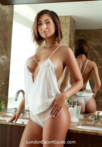 Bayswater busty Izabela london escort