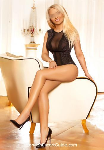 Earls Court blonde Cara london escort