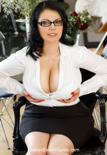Bayswater busty Lilian london escort