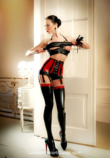 Kensington pvc-latex Julia london escort