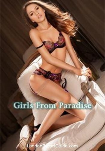 Marylebone brunette Mia london escort