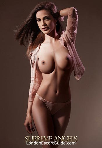 Kensington brunette Cherry london escort