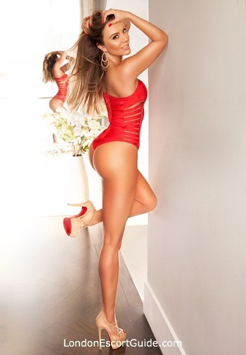 Chelsea busty Nicole london escort