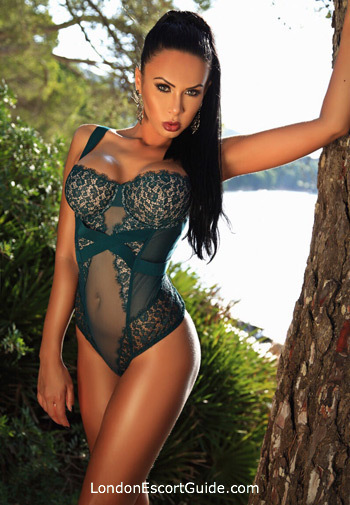 Knightsbridge brunette Nicola london escort