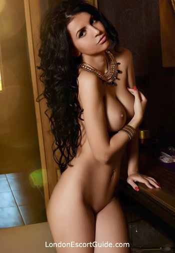 Chelsea brunette Valeria london escort