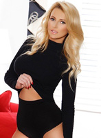 Chelsea blonde Cheryl london escort