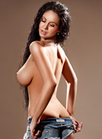 Chelsea brunette Bruna london escort