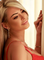 Earls Court blonde Stacey london escort