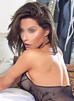 Earls Court brunette Kat london escort