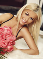 South Kensington blonde Pearl london escort