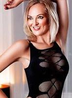 Mayfair blonde Nikki london escort