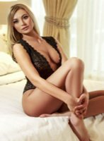 Notting Hill blonde Daphne london escort