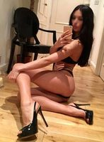 Camden brunette Kelly london escort