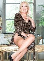 Knightsbridge mature Elizabeth london escort