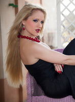 central london blonde RossellaVisconti london escort