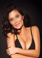 Knightsbridge brunette Monika london escort