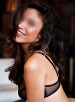 Outcall Only brunette Sarah london escort