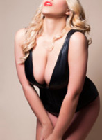 Kensington 300-to-400 Penelope Bond london escort