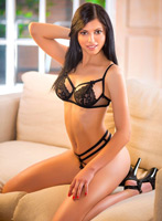 Bayswater brunette Kiki london escort