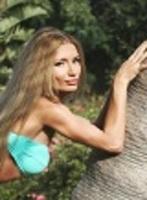 Chelsea blonde Selena london escort